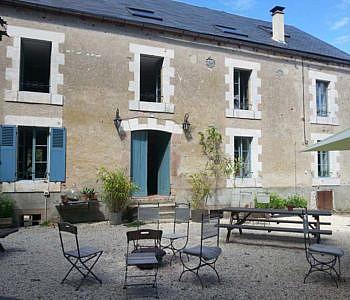 Locatie foto Le Moulin, Frankrijk binnenplaats