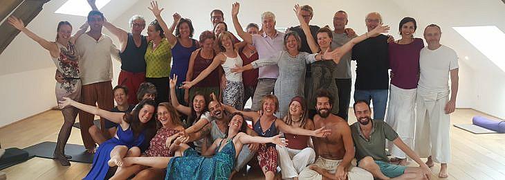 Tantra-Gruppenfoto innen